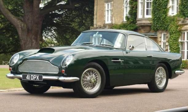 Lovely Aston Martin DB4 GT